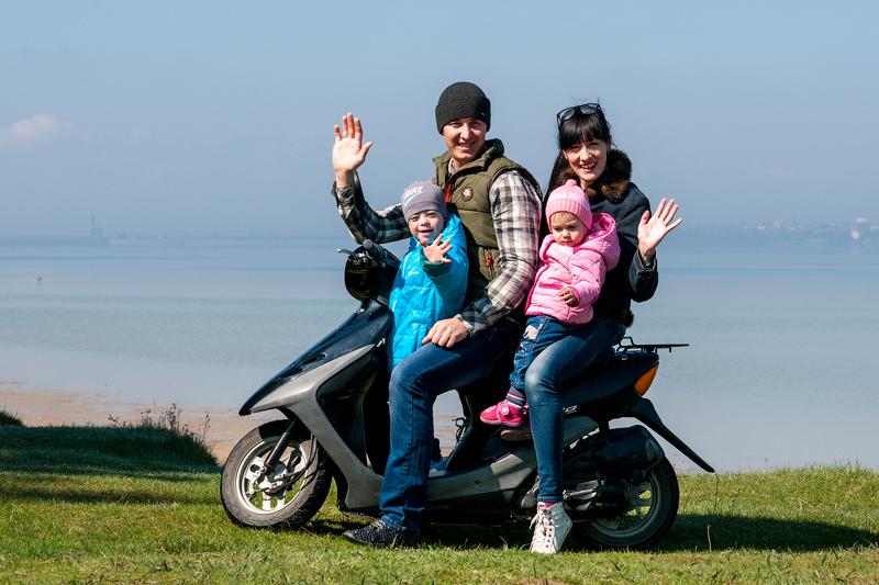 Дружна сім'я Татариних склалається з чотирьох осіб