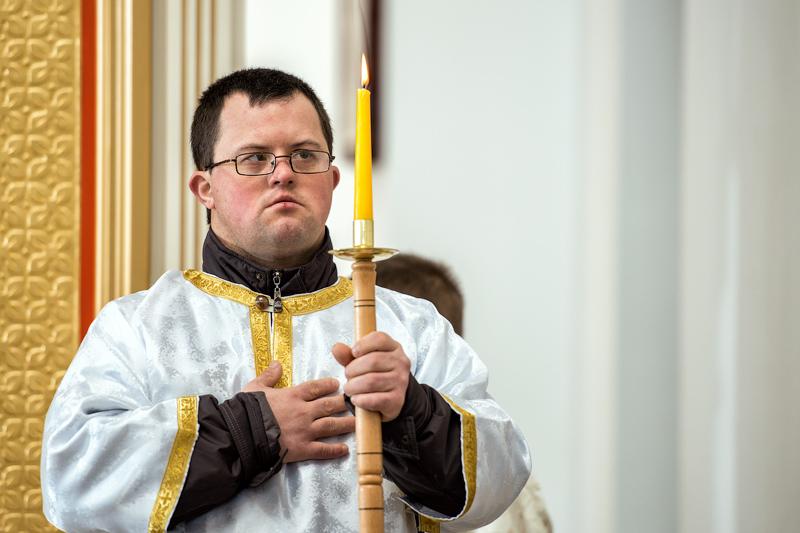 Сашко Хорунжак  - єдиний в Україні паламар з синдромом Дауна